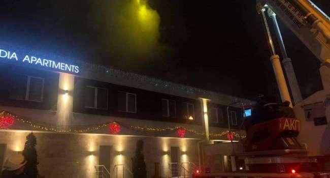 Пожар в отеле Одессы: В огне погибли люди