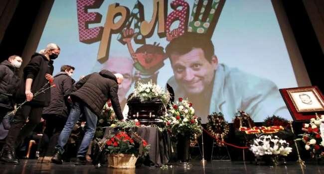 «Десятки выступающих и море цветов»: Садальский рассказал о прощании с Грачевским