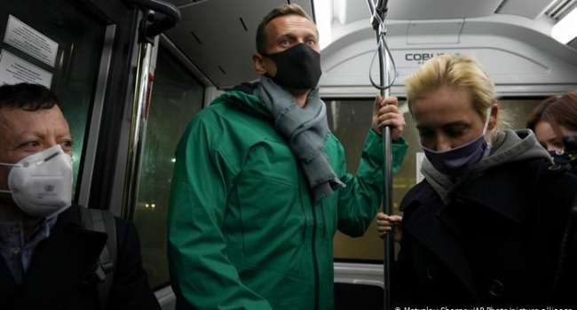 «После увиденного, пожалуй, всерьёз стоит задуматься», «Вставай страна огромная», «Держись, мы поможем»: стало известно, как россияне отреагировали на призыв Навального выйти на митинги