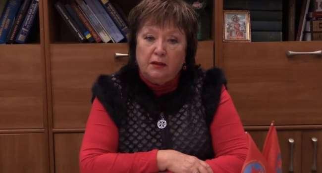 Наталья Витренко записала видео под названием «Мать за сына», в котором поддержала деятельность Юрия Витренко