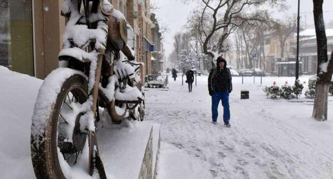 А в Крыму зима: в сети показали роскошные снимки заснеженного полуострова