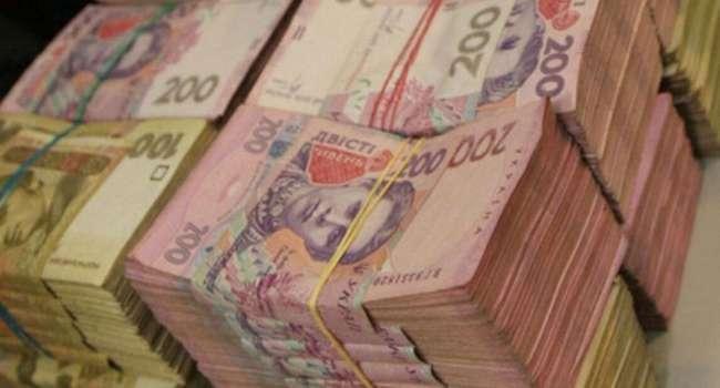 Омелян: ежегодно в карманах нескольких десятков человек исчезает от 300 до 500 млрд грн