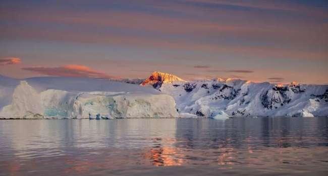 Загадка потерянного тепла: ученые объяснили, почему температура воды в Антарктиде не повышается