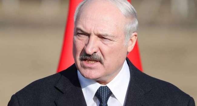 «С протянутой рукой пойдёт за помощью в Москву»: политолог предрек Лукашенко самую незавидную ситуацию