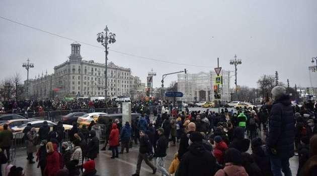 «Оскорбление народа, который хочет быть услышан»: в администрации Байдена выразили поддержку протестам из-за Навального