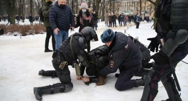 С помощью Навального Путин зачистит протестные настроения в стране, – политолог
