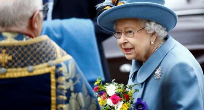 Можно купить в сетевых магазинах за 5 евро: СМИ сообщили о предпочтениях Елизаветы II в косметике