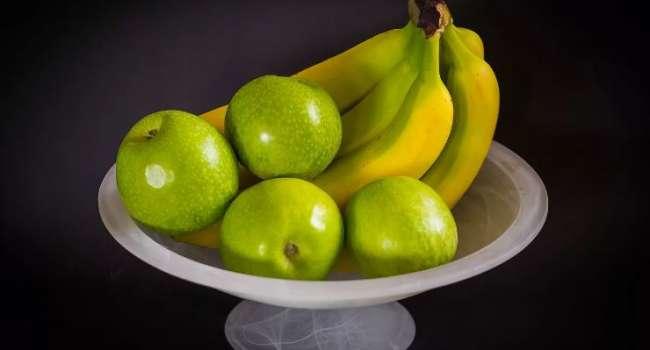 Про бананы забудьте: известный диетолог объяснила, что мешает сбросить вес