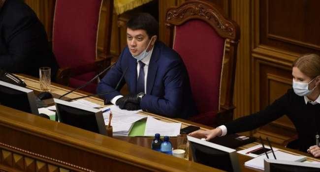 У Зеленского нет голосов за законопроект о референдуме – Разумков объявил перерыв
