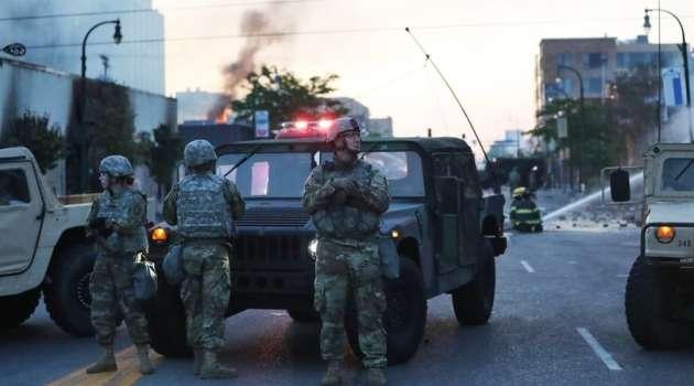 «Неповиновение американцев»: У Байдена решили оставить военных в Вашингтоне