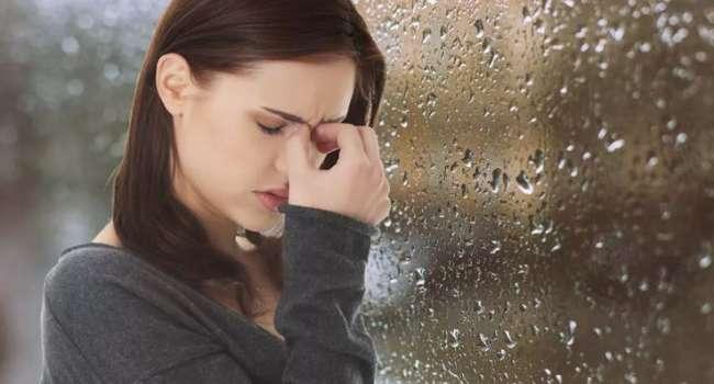 При резких погодных изменениях: доктор рассказала о болезнях, обостряющихся при плохой погоде