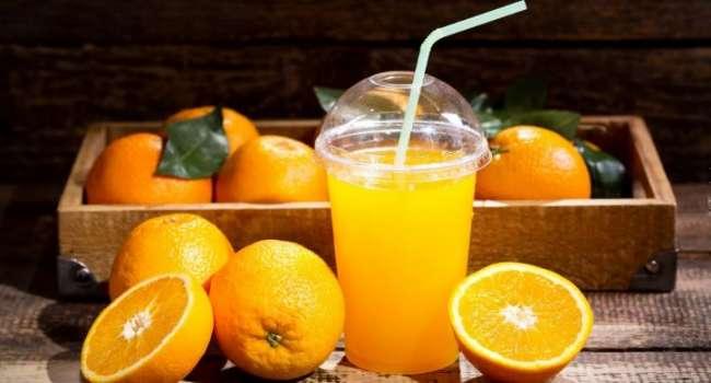 Медики рассказали об опасности апельсинового сока