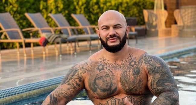 «Потерпи чутка, братан, ночью на джетски топи в сторону Дубаи, от туда паромом до Маями рванем»: Джиган показал свой «адский» отпуск с семьей, Тимати вызвался его спасти
