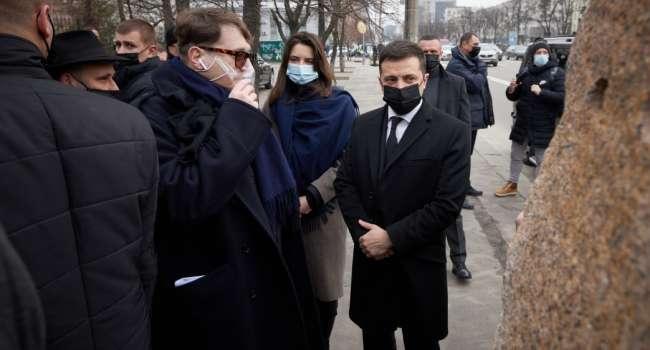 Аналитик: такое Зеленскому не простит ни Байден, ни Порошенко