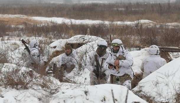 Число обстрелов на Донбассе выросло в два раза