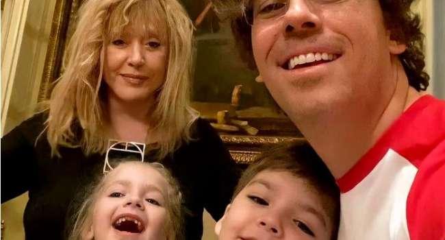 «Они какие-то волшебные дети», «Боже, я просто умиляюсь от этой нежности»: Максим Галкин опубликовал ранее неизвестное видео с младенцами Лизой и Гарри