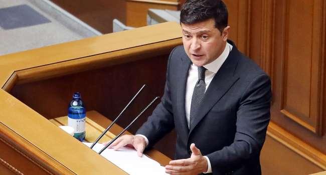 Политолог: Зеленский задрожал перед угрозой из США, но пытается откупиться чужаками, а не своим Коломойским