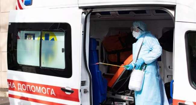 Несмотря на вакцинацию: доктор предупредил о третьей волне пандемии коронавируса