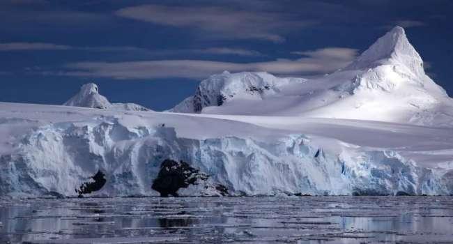 Льды стремительно тают: в Антарктиде обнаружили неизвестный источник геотермальной энергии