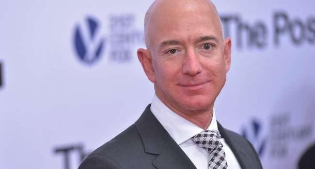 Илон Маск продержался чуть больше месяца: Джефф Безос снова стал богатейшим человеком в мире