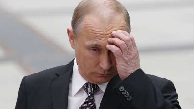 «Ты зло, подлость и цинизм. Нех** было приезжать!»: Жители Донецка устали от РФ и призвали Путина убраться с Донбасса
