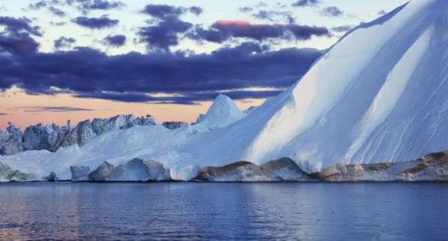 Ученые обнаружили гигантский водопад вблизи Гренландии