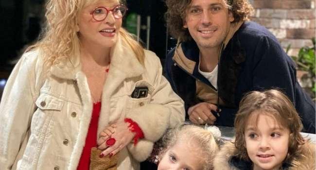«Лиза очень артистичная, а Гари настоящий джентльмен»: Галкин похвастался новым фото со своими заметно повзрослевшими детьми