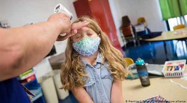 Симптомы дают о себе знать несколько месяцев: врачи рассказали о последствиях коронавируса для детей