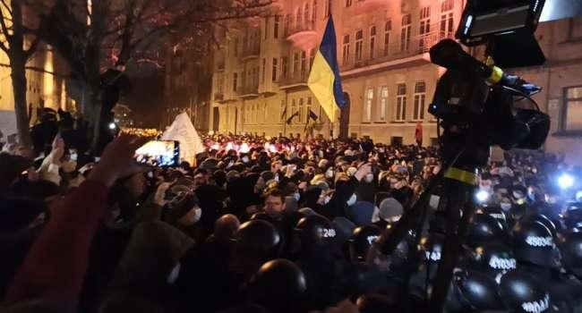 Эксперт: в протестах в Украине, России, Беларуси есть одно общее