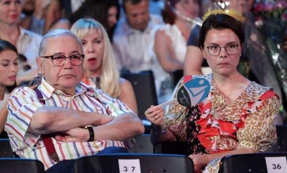 «Как малыш похож на свою маму»: молодая жена Петросяна показала их сына Вагана