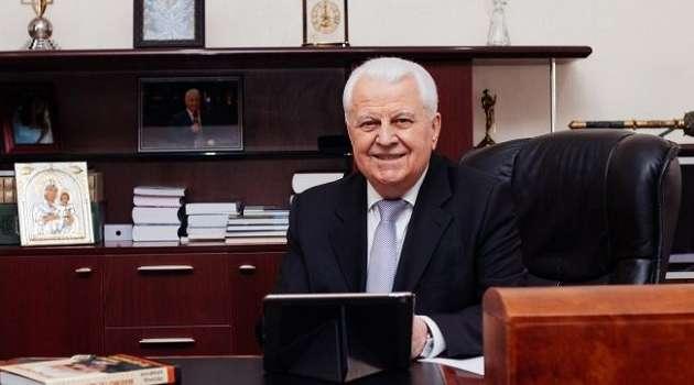Кравчук: минские переговоры нельзя проводить в полностью зависимой от России стране