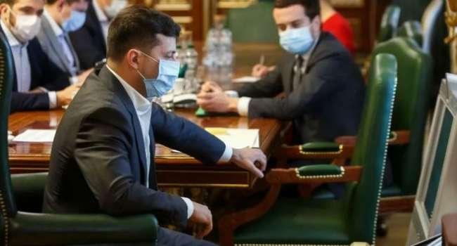 «Продолжает заигрывать с восточным электоратом»: политолог объяснил, почему Зеленский зачищает конкурентов