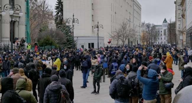 Таран: избирательное правосудие, «велюровые законы» заставляют людей выходить на улицу