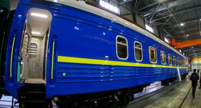 Будет стандартом для каждого нового вагона: в поездах Укрзализныци установят камеры видеонаблюдения