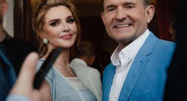 «Закрыты счета в банке, заблокированы любые финансовые операции»: Оксана Марченко впервые рассказала о жизни после введения против ее семьи санкций