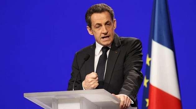 Экс-президента Франции признали виновным в коррупции, приговорив его к тюремному сроку