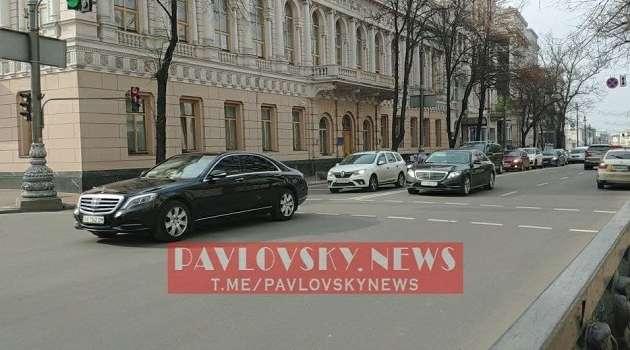 СМИ: кортеж Порошенко грубо нарушил ПДД в Киеве