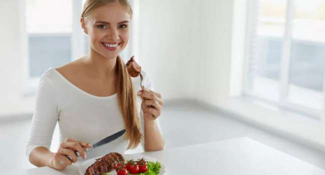 «Употреблять обязательно, но…»: Учёные назвали самое опасное мясо для здоровья женщин
