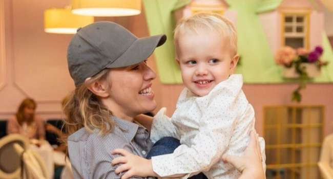 «Нежнятина», «Ксения, у вас чудесный малыш»: Собчак показала новое фото сына, и вызвала споры среди своих поклонников