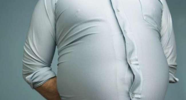Совершенно бесполезно: учёные рассказали о способе борьбы с жиром на животе
