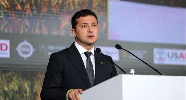 Ближайший конкурент уже близко: стало известно, сколько украинцев поддерживают Зеленского