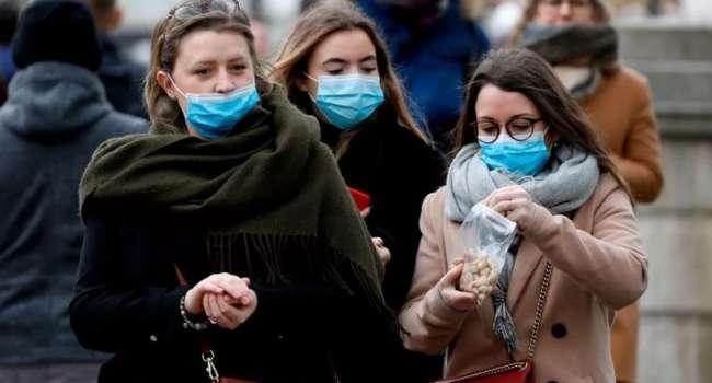 Косметолог рассказала о серьезных проблемах с кожей из-за ношения медицинских масок