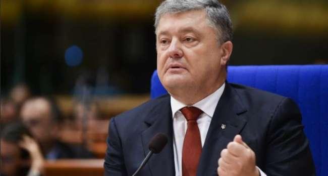 «Отъявленный мародер, грабил свою страну»: Азаров обвинил Порошенко в воровстве