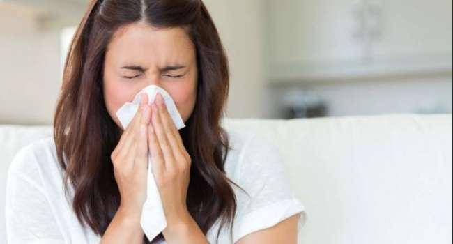 Медики развенчали главные мифы о насморке