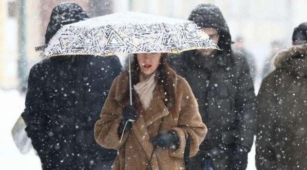 Похолодание и мокрый снег: киевлян предупредили об ухудшении погоды завтра
