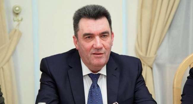 Данилов прокомментировал санкции СНБО против жен Медведчука и Козака