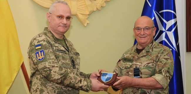 Поддержка НАТО Украины: Киев посетил глава военного комитета Альянса
