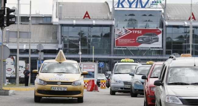 Таксисты продолжают взвинчивать цены на поездки в Киеве – люди не знают, как добраться на работу