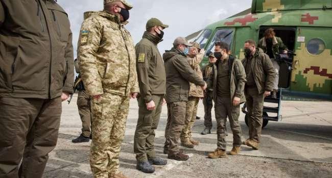 СМИ показали видео визита Зеленского «в зону эскалации» на Донбассе