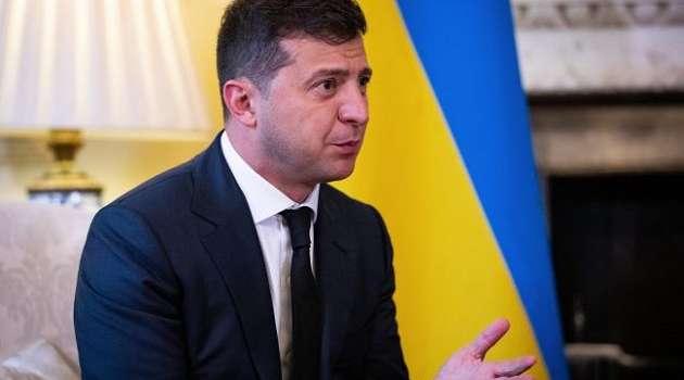 Россия наращивает войска на границе с Украиной, чтобы Запад испугался, - Зеленский